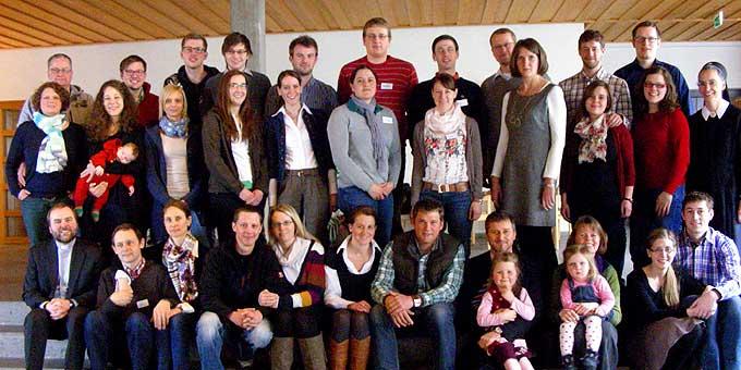 Die teilnehmenden Paare und Referenten (Foto: Denkinger)
