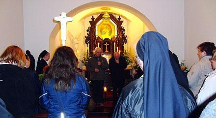 Ziel beim Gnadenbild der Dreimal Wunderbaren Mutter von Schönstatt (Foto: H. Schroeder)