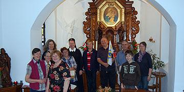Eine der Pilgergruppen startete beim Schönstatt-Heiligtum in Hillscheid (Foto: Brehm)