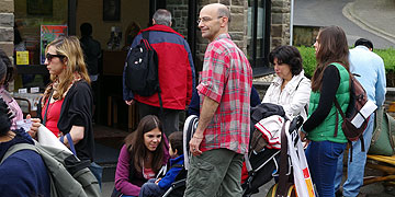 Sammelphase bei der Ankunft (Foto: Pilgerzentrale)