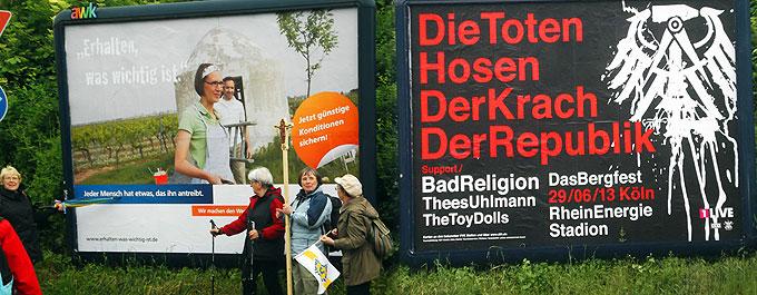 """""""Jeder Mensch hat etwas, das ihn antreibt.""""; """"Erhalten, was wichtig ist""""; """"BadReligion"""": Rand- und Kontrastprogram auf dem Pilgerweg durch die Straßen einer heutigen Stadt  (Foto: Menzenbach)"""
