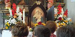 """Das Bild der """"Königin der Neuevangelisierung Europas"""" zu Besuch in einer Gemeinde (Foto: Mayer)"""
