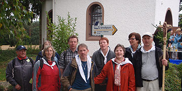 Die Kerntruppe in Weiskirchen mit neuem Ziel vor Augen: das Urheiligtum (Foto: Fella)