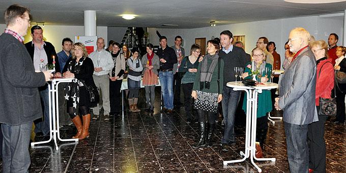 Sektempfang und Begrüßung beim Candlelight-Evening im Schönstattzentrum Liebfrauenhöhe (Foto: Baumann)