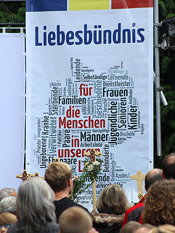 """Wortwolke zum """"Liegesbündnis für die Menschen in unserem Land"""" beim Fest 2013 (Foto: Grabowska)"""