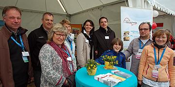 Einige der Ansprechpartner am Stand der Akademie für Ehe und Familie, Mainz  (Foto: Brehm)