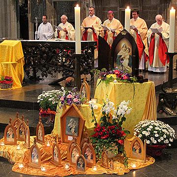 Pontifikalamt mit Weihbischof Wilfried Theising, Münster, im Xantener Dom (Foto: Meyer)