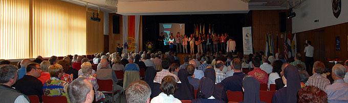Großes Interesse bei den Vallendarern: Fast alle Plätze in der Stadthalle waren besetzt (Foto: Brehm)