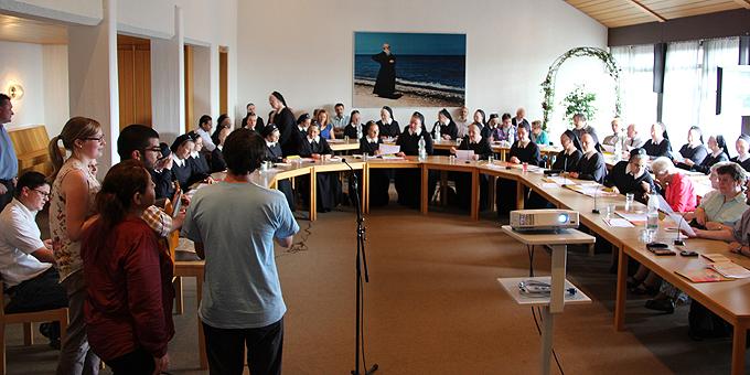 Verantwortliche und Mitarbeiter der Häuser in Schönstatt beim Infotreffen in der Bildungsstätte Marienland (Foto: CMann)
