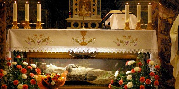 Grab des Heiligen Vinzenz Pallotti in der Kirche S. Salvatore in Onda, Rom (Foto: Neiser)