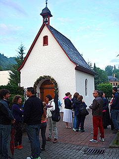 Abendsegen - tägliche Gebetszeit um 20.45 Uhr beim Urheiligtum (Foto: privat)
