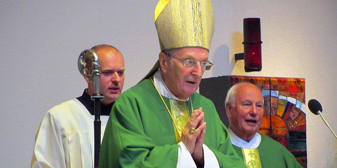 Joachim Kardinal Meisner beim Gottesdienst in der Pilgerkirche Schönstatt (Foto: Pilgerzentrale Schönstatt)