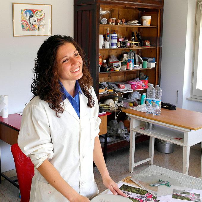 Die Künstlerin Chiara Principe in ihrem Atelier (Foto: Crevino, SICT)