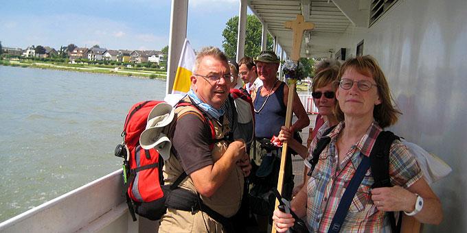 Rheinüberquerung mit dem Schiff (Foto: Gehling)