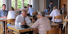 Paare aller Generationen als Teilnehmer beim Tag zu zweit (Foto: SAL)