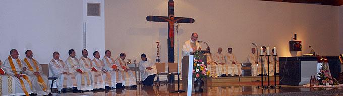 Die Bündnisfeier beginnt mit einem feierlichen Gottesdienst in der Pilgerkirche (Foto: Brehm)