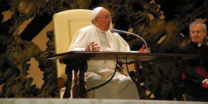 """Papst Franziskus: """"Wie lebe ich? Führe ich ein Doppelleben? Ich nenne mich zwar Christ, aber lebe wie ein Heide?"""" (Foto: Neiser)"""