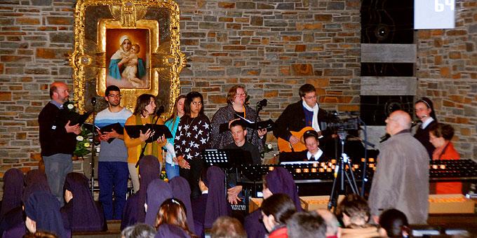 Der Dankgottesdienst wurde von Teilen des internationalen Jubiläumschores mitgestaltet (Foto: Brehm)