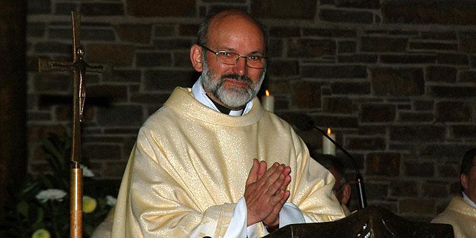 Pater Heinrich Walter dankt dem Zentralteam (Foto: Brehm)