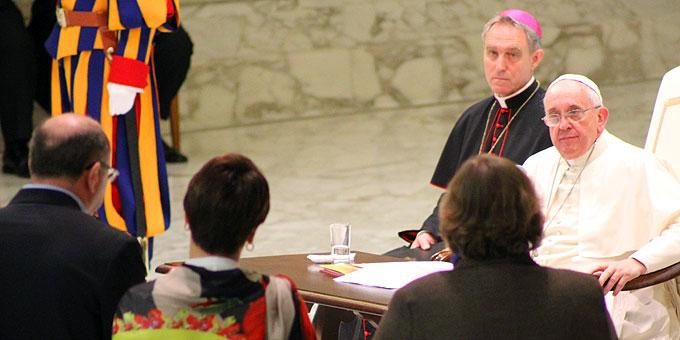 Um das Engagement in der Kirche bewegten sich die Fragen des fünften Themenkreises (Foto: Emilio SICT)
