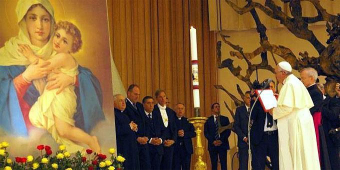 Gebet zum Abschluss der Audienz (Foto: Neiser)