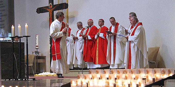 Gottesdienst für deutschsprachige Pilger in der Pilgerkirche (Foto: Lilek)