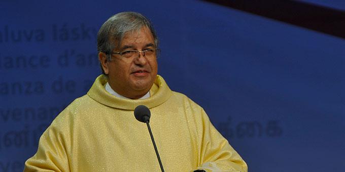 Predigt: Pater Marcel Mouras, geistlicher Assistent des internationalen Institutes der Familien (Foto: Kröper)