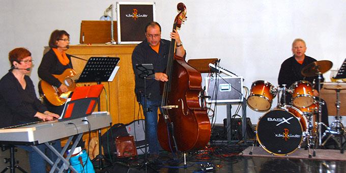 Die musikalische Gestaltung des Gottesdienstes sicherte die Band KöniXKinder mit erfrischenden und neuen Arrangements (Foto: Brehm)