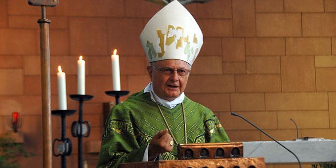 Erzbischof Dr. Robert Zollitsch predigt in der Hochschulkirche in Vallendar (Foto: Brehm)