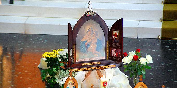 Das originale Bild der pilgernden Gottesmutter, mit dem Diakon João Luiz Pozzobon in Brasilien die Campagne der pilgernden Gottesmutter begann (Foto: Brehm)