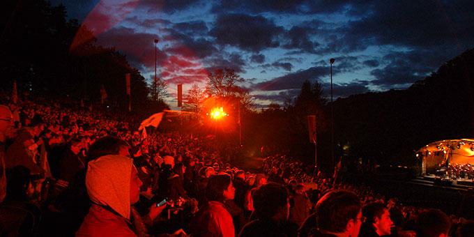 Erwartungsvolle Freude am Beginn der Vigilfeier (Foto: Brehm)