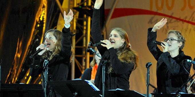Stimmungsvolle Musik steuert die Band bei (Foto: Kröper)
