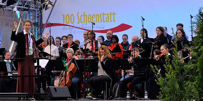 Musikalische Gestaltung durch Projekt-Orchester und -Chor(Foto: Kröper)