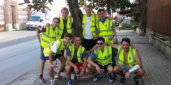 Die erste Läufergruppe hat ihren Dienst getan (Foto: fackellauf2014.org)