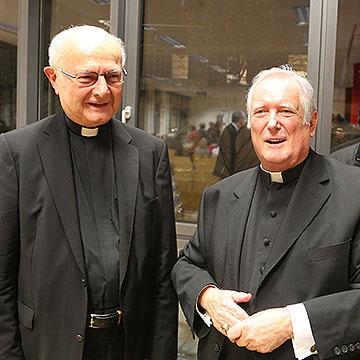 Bischof Dr. Friedhelm Hofmann (rechts) begrüßte Erzbischof em. Dr. Robert Zollitsch im Kolping-Center Mainfranken (Foto: Markus Hauck, POW)
