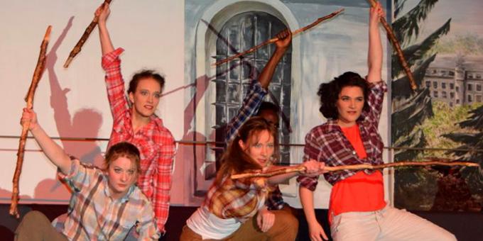 """Szene aus dem Musical """"Auf den Hochseil"""" (Foto: Fischer, Künzell)"""