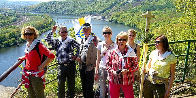 Eine Gruppe aus Paderborn auf dem Pilgerweg (Foto: Pilgerwege-Schoenstatt)
