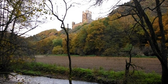 Wunderschöne Ausblicke: Ruine Wernerseck (Foto: Herter)