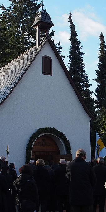 Öffnung der Heiligen Pforte des Schönstatt-Kapellchens (Foto: Bay)