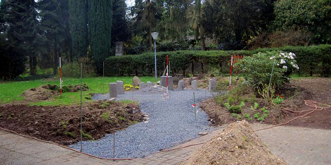 Ein neuer Platz für die Statue wird hergerichtet (Foto: Familienbund)