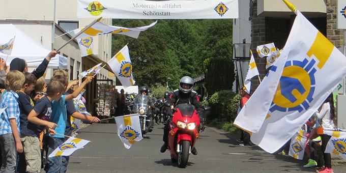 Zur Motoradwallfahrt nach Schönstatt gehört immer auch eine gemeinsame Ausfahrt zu einem Ziel in der Region (Foto: Schönstatt Pilgerzentrale)