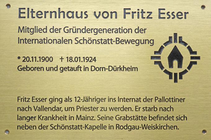 Erinnerungstafel für das Elternhaus von Fritz Esser (Foto: Anne Etz)