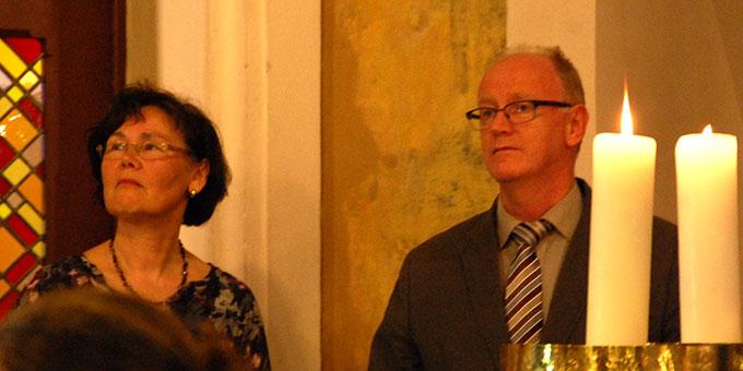 Ehepaar Karin und Kuno Leibold heißen die Paare willkommen (Foto: Brehm)