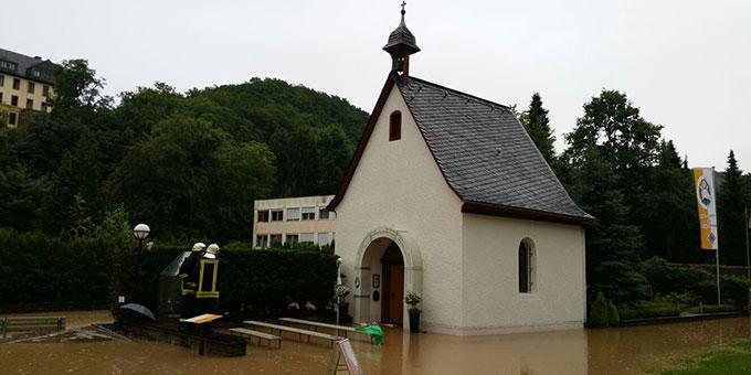 26. Juni 2016: Der Wambach hat das Urheiligtum unter Wasser gesetzt (Foto: Zillekens)
