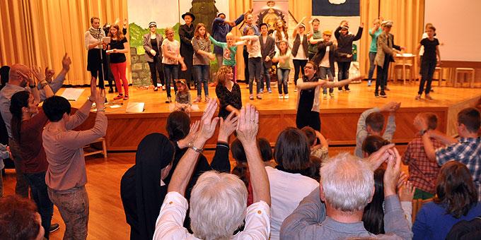 Zweimal eine gefüllte Aula und viel Begeisterung beim Kinder-Musical (Foto: SAL)