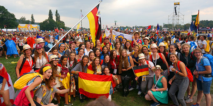 Schönstatt-Jugendliche aus der ganzen Welt treffen sich bei der Eröffnung des Weltjugendtages (Foto: T.Brehm)