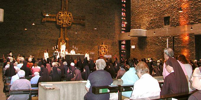 Gedenkgottesdienst am Todestag Pater Kentenichs in der Anbetungskirche (Foto: S-MS)