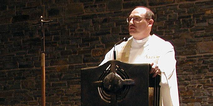Dr. Bernd Biberger bei der Predigt (Foto: S-MS)