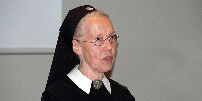 Schwester M. Pia Buesge spricht über die