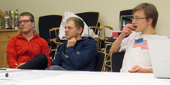 Gespannte Zuhörer und Diskussionspartner (Foto: Roth)